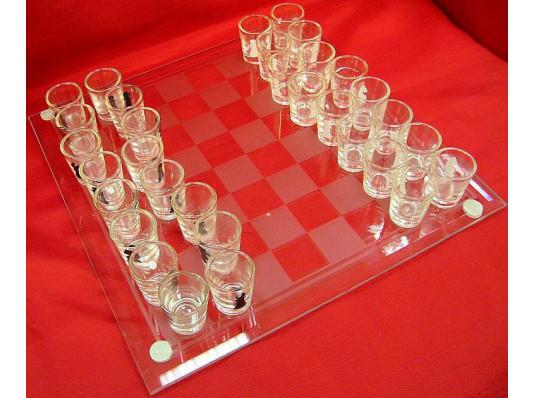 """Шахматы с рюмками """"маленькие"""" купить в интернет магазине подарков ПраздникШоп"""