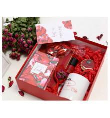 """Подарочный набор """"Lady in red"""" купить в интернет магазине подарков ПраздникШоп"""