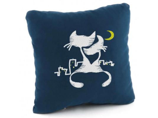 Подушка «Коты под луной», 7 цветов купить в интернет магазине подарков ПраздникШоп