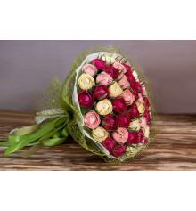"""Букет из конфет """"Почти 101 роза"""" купить в интернет магазине подарков ПраздникШоп"""