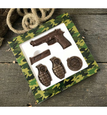 """Шоколадный набор """"Пистолет и гранаты"""" купить в интернет магазине подарков ПраздникШоп"""