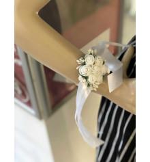 Бутоньерка на руку (белая) купить в интернет магазине подарков ПраздникШоп