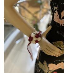 Бутоньєрка на руку (червона) купить в интернет магазине подарков ПраздникШоп